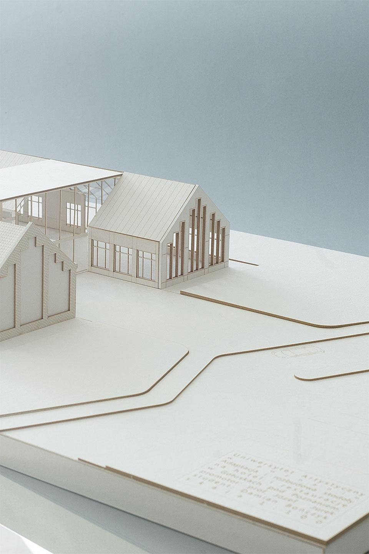 Rozbudowa stodoły na hotel i restaurację